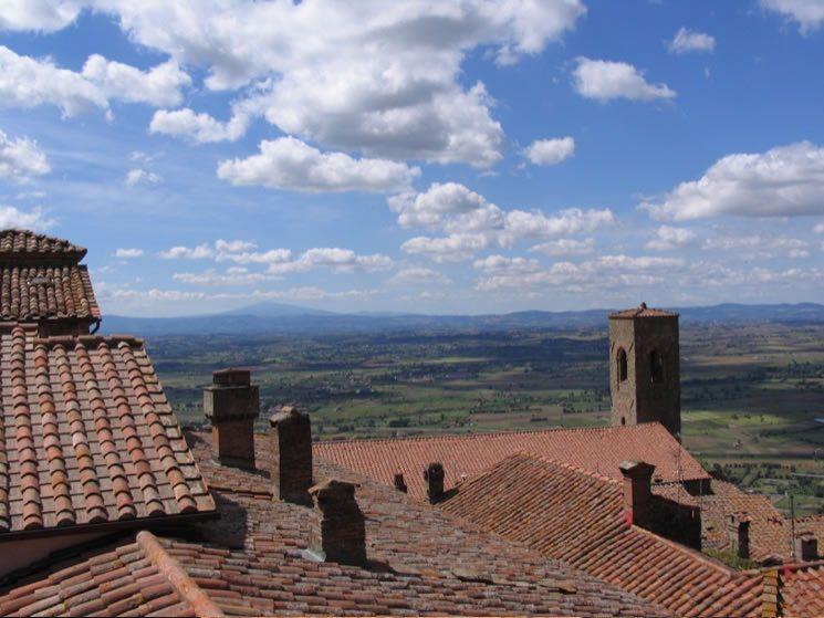 7-Cortona-Rooftops-View