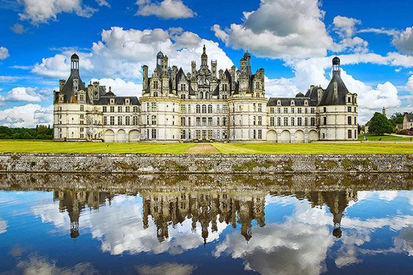 loire valley normandy beautiful castle